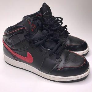 Nike Jordan 1 retro black gym red mid